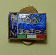 FEDERAZIONE ITALIANA NUOTO RARO PINS DISTINTIVO BERTONI MILANO - VARIANTE BLU! - Nuoto