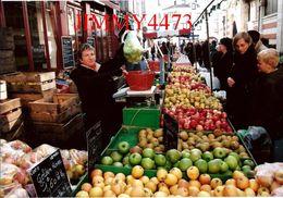 CPM - Les Vergers De Cezais - Marchande De Fruits De Saison - LA ROCHELLE 17 Charente Maritime - Photo P. TOUCHARD - Markets