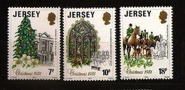 Jersey 1981 N° 264 / 6 ** Noël, Cadeau, Sapin, Vitrail, Chant, Musique, Chorale, Chasse à Courre, Chiens, Renard Chevaux - Jersey