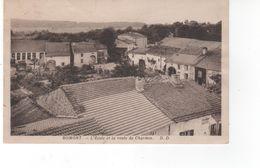 ROMONT - L'Ecole Et La Route De Charmes  (pli Côté Droit) - Autres Communes