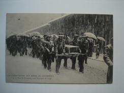 62 -- LA CATASTROPHE DES MINES DE COURRIERES -- Vers Le Cimetière Sous L'ouragan De Neige  (animée......) - Autres Communes