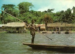 Lagos (Nigeria) Lagos State, Fishing Village Along Epe Lagoon, Village Des Pecheurs Le Long De La Lagune - Nigeria