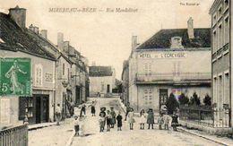 CPA - MIREBEAU-sur-BèZE (21) - Aspect De La Rue Mondolivet Et De L'Hôtel De L'Ecrevisse En 1911 - Mirebeau
