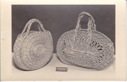 AK Foto Handtaschen Aus Binsen - Flechtarbeit - Ca. 1940/50 (31826) - Folklore