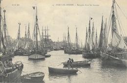 Port-en-Bessin - Barques Dans Les Bassins - Carte A.D. N° 4 Non Circulée - Port-en-Bessin-Huppain