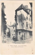 10. VIEUX TROYES. Rue Du Cheval Blanc. Ancienne Maison Des Ramonats. 19 - Troyes