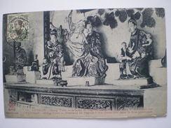 Cpa, Trés Belle Vue, Yunnan, Mong-Tzeu, Intérieur De Pagode Dans La Rue De Sin-Gnan-Soo Dans La Rue Principale - Chine