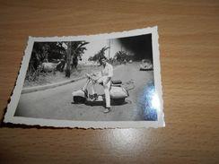 1329  , Photo, ALGERIE, Scooter Ancien, Vespa??, 1960 - Automobiles