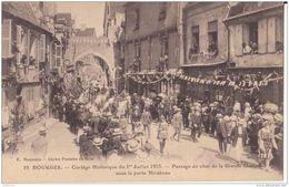 18 BOURGES CORTEGE PASSAGE DU CHAR CPA BON ÉTAT - Bourges