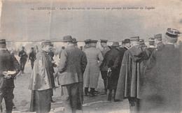(54) Lunéville - Après Les Formalités On Commente Par Groupes Les Incidents Du Zeppelin 1914 - Luneville