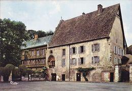 CPSM - 27 - LE NEUBOURG - Le Vieux Château - 50 - Le Neubourg