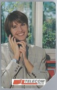 IT.- CARTA TELEFONICA. TELECOM ITALIA LIRE 10.000. Telefono Pubblico Complice Del Vostri Pensieri.  2 Scans - Italië