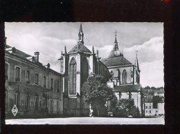 CPM Neuve 88 REMIREMONT L'Hôtel De Ville Et L'Eglise - Remiremont