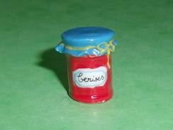 Fèves / Autres / Divers / Alimentation : Pot De Confiture , Cerises  ( Petite Feve )   T25 - Santons/Fèves