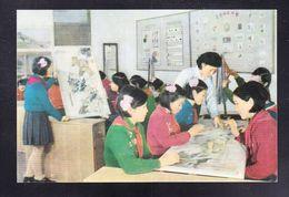 KOR1-46 THE EMBROIDERY ROOM - Korea, North