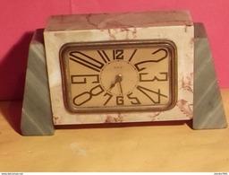 "VINTAGE ANCIEN RÉVEIL MÉCANIQUE EN MARBRE MARQUE "" DEP ""  MADE IN FRANCE - Alarm Clocks"
