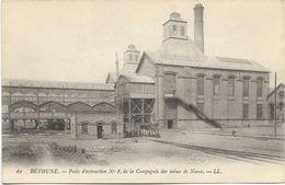 62 - BETHUNE - Lot De 2 CPA, Puits D'extraction N° 8 Et Pont D'accès Au Terri De La Mine. BE. - Bethune