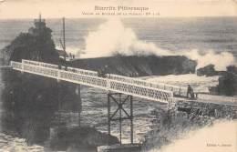 64 - BIARRITZ Pittoresque - Vague Au Rocher De La Vierge - N° 110 - Biarritz