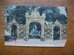 """Nancy , Place Stanislas , Grilles En Fer Forgé , De Jean Lamour , Fontaine D'amphitrite """" Carte Animée """" - Nancy"""
