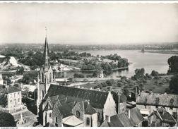 35) CHATILLON-EN-VENDELAIS : Vue Aérienne Sur L'église Et L'étang - Other Municipalities