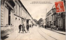 33 - SAINT MEDARD En JALLES -- Le Bourg Sur La Route De Bordeaux - Lacanau - Otros Municipios