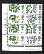 GB QEII 1967 Wild Flowers 4d In MNH Corner Block Of 8 (5721) - Unused Stamps