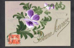 CPA FANTAISIE CELLULOID CELLULOIDE DOREE OR - Peinte à La Main - Jolies Fleurs - Bonne Année -#557 - Nouvel An