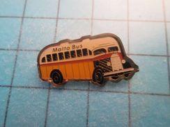 Pin513j Pin's Pins : Rare Et Belle Qualité : BUS AUTOBUS CAR AUTOCAR MALTA MALTE - Transports