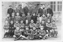 SAINTE-PAZANNE   -  Cliché D'une Classe D'Ecole De Garçons En 1953  -  Liste Des Elèves Au Dos  -  Voir Description - Otros Municipios