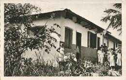 Yoko - Quelques écolières Devant Leur école (002326) - Kamerun
