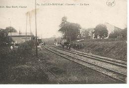16    Salles - Moussac    La Gare - France