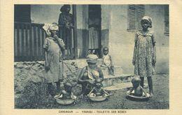 Yabassi - Toilette Des Bébés (002333) - Kamerun