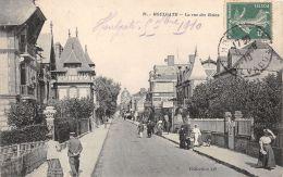 Houlgate (14) - La Rue Des Bains - Houlgate