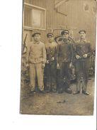 A IDENTIFIER- Carte-Photo Animé D'un Groupe D'Ouvriers Mécaniçens à LA ROCHELLE-17- - Da Identificare