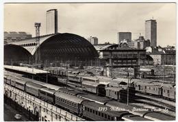 FERROVIA - TRENI - MILANO - STAZIONE CENTRALE - 1978 - Estaciones Con Trenes