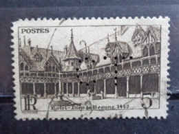 1941 - CERES N° 499 PERFORE : C L - Perforés