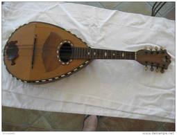 MANDOLINE ANCIENNE AVEC ECAILLE DE TORTUE ET NACRE - Musical Instruments