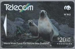 NZ.- Telefoonkaart. TELECOM. WWF. World Wide Fund For Nature New Zealand. Hooker's Sea Lion. 2 Scans - New Zealand