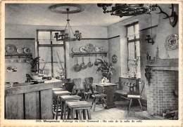 CPM - MACQUENOISE - Auberge Du Clos Normand : Un Coin De La Salle Du Café. - Momignies