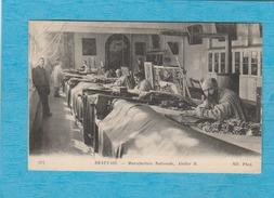Beauvais. - Manufacture Nationale - Atelier B. - ( Ouvriers ). - Beauvais