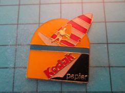 Pin513k Pin's Pins / Beau Et Rare : KODAK SOLEIL PLANCHE A VOILE PAPIER PHOTO - Photography