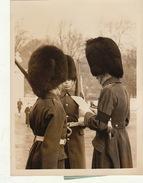 Photo De Presse The Guard Commander At Buckingham Palace  .. - Guerre, Militaire