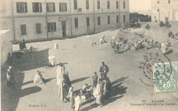 Algerie, Alger, Groupe D'Arabes A La Casbah - Algerije