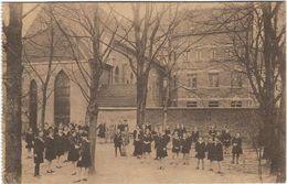 Rhone :  Lyon :  Institut Des Religieuses Trinitaires, Cour Des Elèves Au Jardin - Lyon