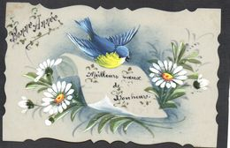 JOLIE CPA FANTAISIE CELLULOID DENTELEE - DOREE OR - Peinte à La Main - Oiseau Mésange Fleurs - Bonne Année -#577 - Nouvel An