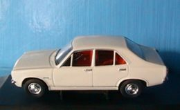 HILLMAN AVENGER POLAR WHITE VANGUARDS 1/43 CORGI VA10401 - Corgi Toys