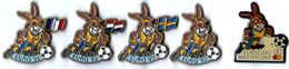 FOOTBALL - F125 - EURO 92 - 5 Pin's - Verso : C 1987 UEFA PETITCOLIN / LA BOITE A PIN'S - Fútbol