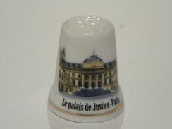 Dé En Porcelaine Monument De Paris - Thimbles