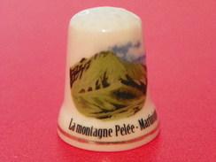 Dé En Porcelaine Martinique La Montagne Pelée - Thimbles