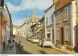 10) ERVY-LE-CHATEL : Rue Du 14 Juillet - 2 CV Citroën - Ervy-le-Chatel